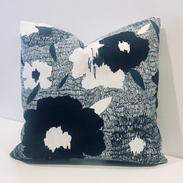 CARYS TOSS CUSHION